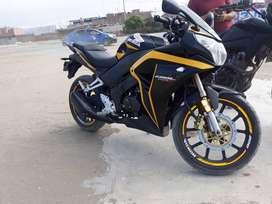 VENDO MOTO ARTSUN 200 (MODELO HONDA CBR250)