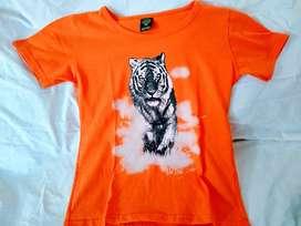 REMERA NUEVA naranja y tigre negro-blanco