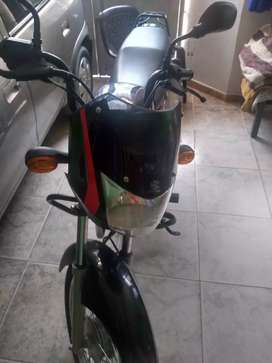 Vendo moto boxer papeles al día excelente estado de uso