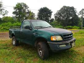 Ford 150 XL 4X4 cilindraje 3000 vendo o cambio por auto.