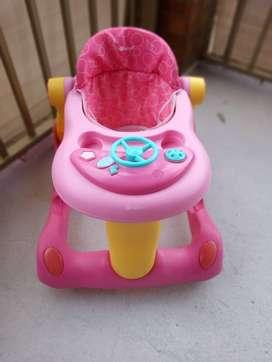Caminador marca Ebaby para niña