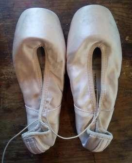Zapatillas de punta raso nro 35 poco uso