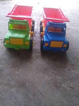 se vende camiones grandes de plastico
