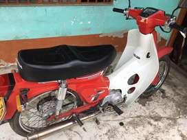 Honda c90 en buen estado