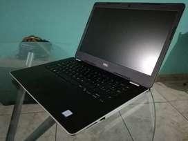 Lapto DELL core 5 de octava generación con caja