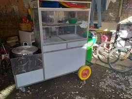 Se vende carro de papas fritas y maduros ect