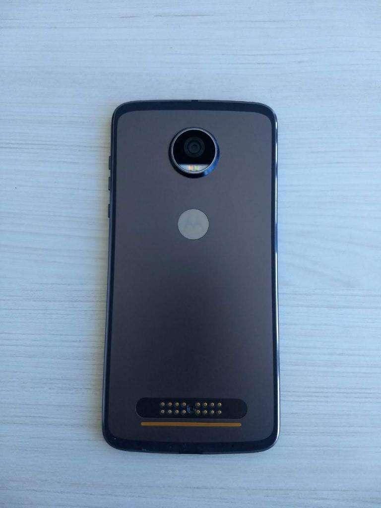 Motorola Moto Z2 Play  Motomods 0