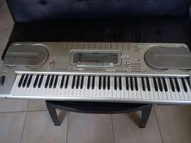 Teclado Casio Wk3300, Transf. 220w Casi 1 Piano Excelente sonido!! con PEDAL SUSTAIN y FUNDA