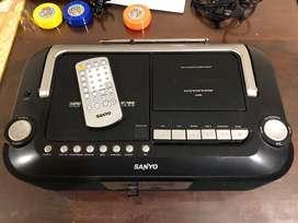 Minicomponente Sanyo casi sin uso
