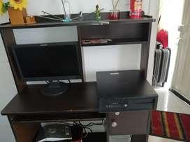 Se vende escritorio mueble computador y silla