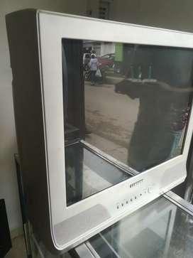 """Se vende TV convencional 21"""""""