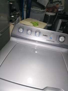 Se vende hermoso combo nevera haceb lavadora mabe