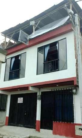 Casa de 2 pisos independientes con plancha para tercero