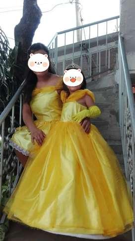 Disfraz de: 1. Bella  para madre e hija( 1 sóla postura) 2. MUJER MARAVILLA(UNA POSTURA)