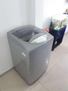Se vende lavadora haceb de 20 libras