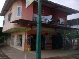 Casa de dos plantas, con lavadora y lubricadora de carros (Arenillas, El Oro, a 5 minutos de Hillary Resort)