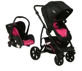 Coche y silla de auto para niña