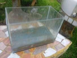 Pecera de vidrio 25x18x14