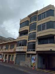Venta de Propiedad Comercial, Terreno, Casa, Departamentos, oficinas, en la calle Juan Montalvo y José Veloz, Riobamba