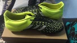 Guayos Adidas - gama alta - Buen estado con muy poco uso