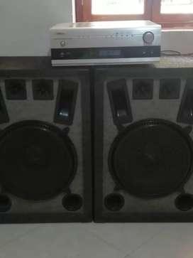 Amplificador y dos bafles