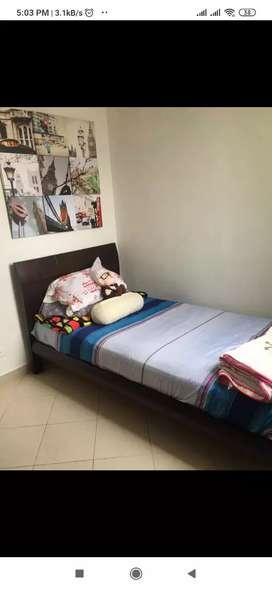 Alquiler de habitación amoblada persona sola, sería y responsable