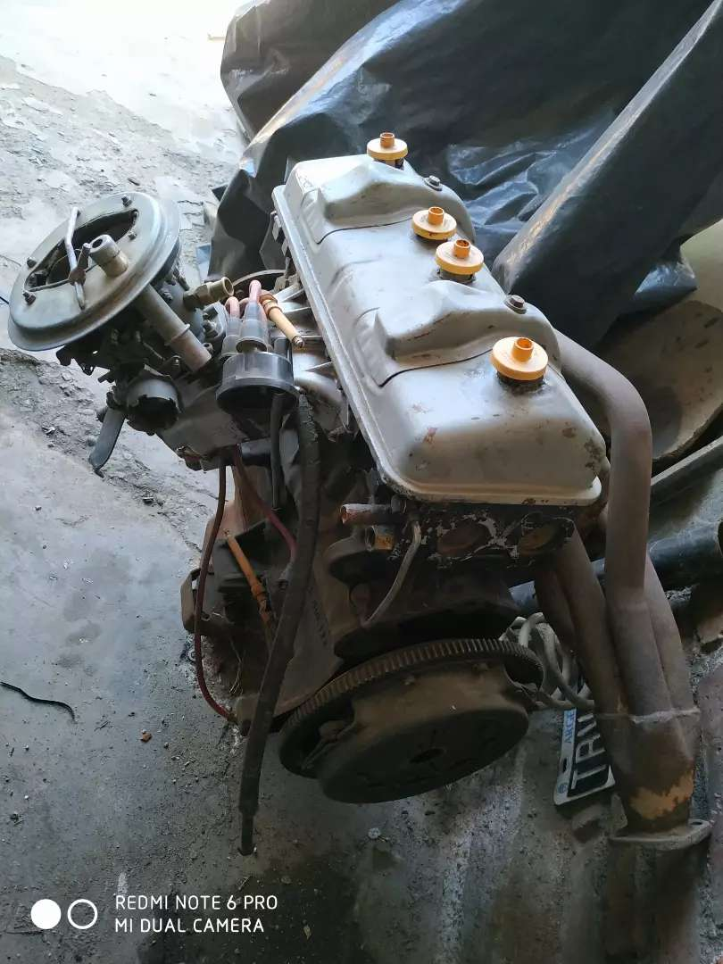 Motor con Caja de Peugeot 504 0