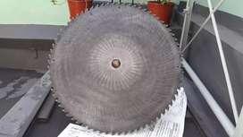 Vendo discos para cortar maderas grandes recascos es para aserradero