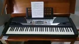 Organeta Yamaha PSR-GX76