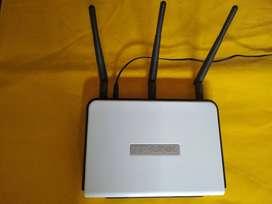 Router TP-LINK Inalámbrico N  de 300 Mbps  TL-WR941ND