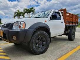 Camioneta Frontier Estacas 4x4 Doble