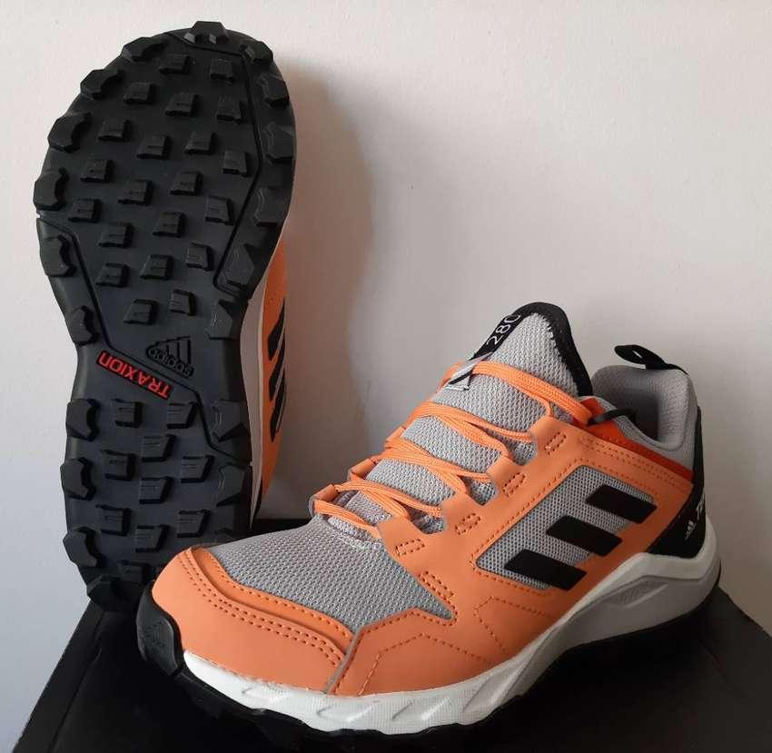 Adidas: Tenis De Trail Running Terrex Agravic TR.