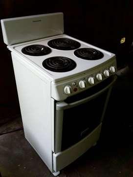 Se vende cocina eléctrica frigidaire