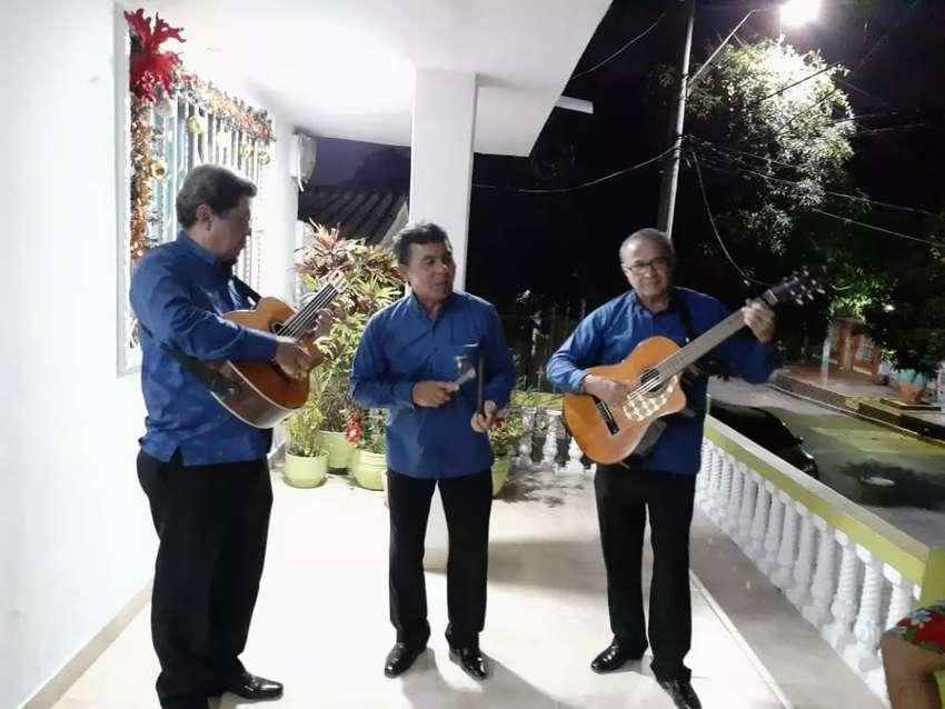 Romanticos Musical D' Siempre Trio En  Bquilla 0