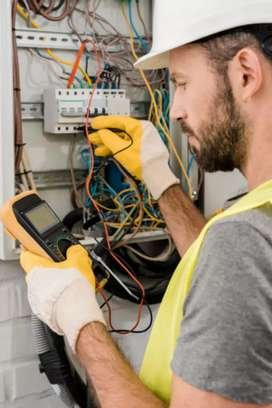 Electricista INDUSTRIAL