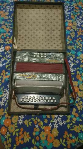 Vendo Acordeon Hohner