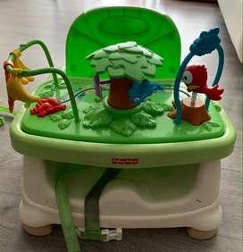silla comedor para bebe, para edades de 0 a 4 años, marca Fisher Price.
