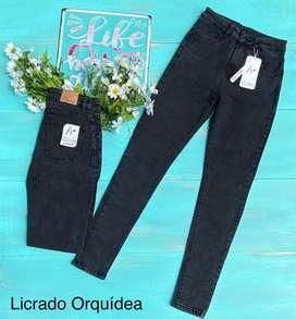 Hermosos overoles y jeans
