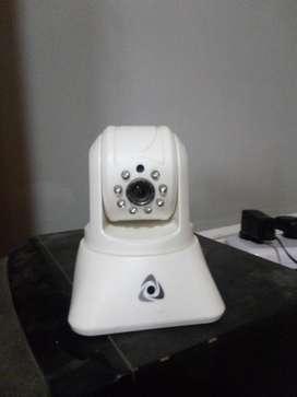 camara de vigilancia ip.  No necesita ningun otro compomente  para funcionar