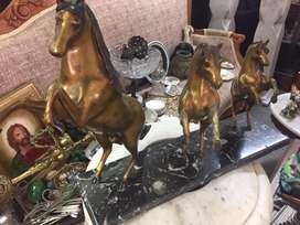 Caballos en bronce