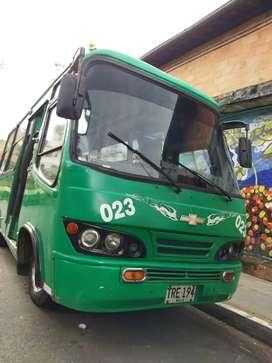 Microbuseta Chevrolet Nkr 2004 urbaba de 19 psj