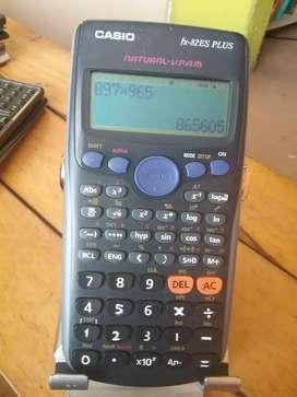 Calculadora Casio fx-82es científica 216 funciones dos líneas quebradas y más