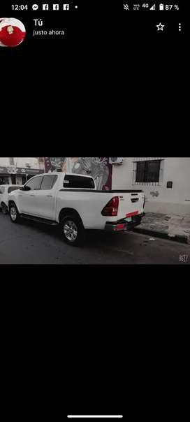 Vendo Toyota Hilux srv pana manual