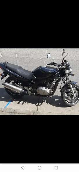 Se vende moto suzuki gs 500