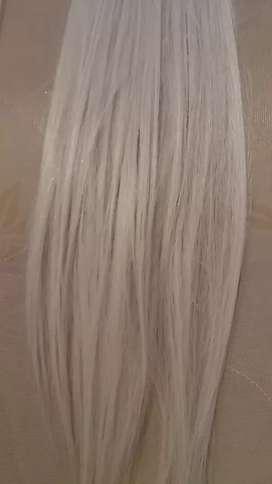 Se venden extensiones de cabello seminaturales