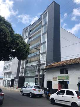 Vendo o arriendo oficina local torres rovira plaza