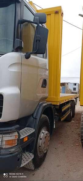 Camión plataforma Scania