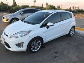 DUEÑA VENDE FORD FIESTA KINETIC TITANIUM 2013