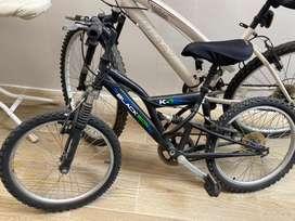 Bicicleta  pequeña de niño-a