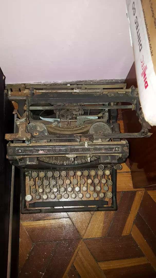 Vendo maquina de escribir antigua 0